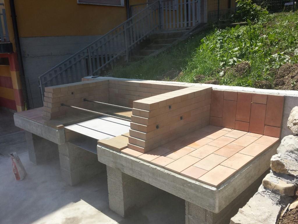Edil pietra barbecue caminetti - Barbecue esterno ...